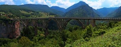 Σχηματισμένη αψίδα Durdevica γέφυρα της Tara Στοκ Εικόνες