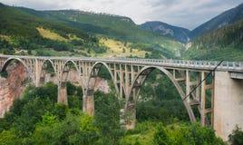 Σχηματισμένη αψίδα Durdevica γέφυρα της Tara - Μαυροβούνιο Στοκ Φωτογραφίες