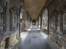 Σχηματισμένο αψίδα arcade εσωτερικό Nigra Porta της ιστορικής ρωμαϊκής πύλης Στοκ Εικόνες