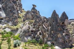Σχηματισμοί βράχου καπνοδόχων νεράιδων σε Cappadocia, κεντρική Τουρκία στοκ εικόνες