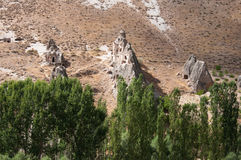 Σχηματισμοί βράχου καπνοδόχων νεράιδων κοντά σε Goreme Στοκ εικόνες με δικαίωμα ελεύθερης χρήσης