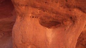 Σχηματισμοί βράχου του χρωματισμένου φαραγγιού Sinai Αίγυπτος απόθεμα βίντεο