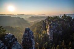 Σχηματισμοί βράχου Bastei, σαξονικό εθνικό πάρκο της Ελβετίας, Γερμανία Στοκ Εικόνες