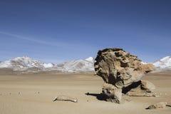 Σχηματισμός βράχου σε Uyuni, Βολιβία γνωστή ως Arbol de Piedra Στοκ εικόνα με δικαίωμα ελεύθερης χρήσης