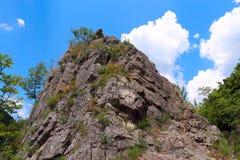 Σχηματισμός βράχου στο eco-ίχνος Tran, Βουλγαρία Στοκ Φωτογραφία