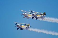 Σχηματισμός τριών αεροπλάνων με τους αετούς Goodyear Στοκ Εικόνες