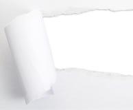 Σχισμένο φύλλο εγγράφου με μια κενή τρύπα χάσματος Στοκ Εικόνα
