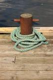 Σχοινί για την πρόσδεση μιας βάρκας στοκ εικόνες με δικαίωμα ελεύθερης χρήσης