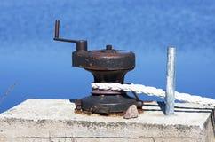 σχοινί πρόσδεσης στυλίσκων Στοκ φωτογραφία με δικαίωμα ελεύθερης χρήσης