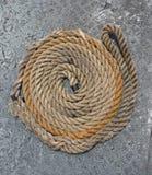 Σχοινί πρόσδεσης που κυλά ωραία Στοκ εικόνα με δικαίωμα ελεύθερης χρήσης
