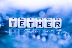 ΣΧΟΙΝΙ λέξης που διαμορφώνεται από τους φραγμούς αλφάβητου στο cryptocurrency μητέρων Στοκ φωτογραφία με δικαίωμα ελεύθερης χρήσης