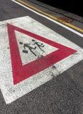 Σχολείο σημαδιών στο δρόμο στοκ εικόνες