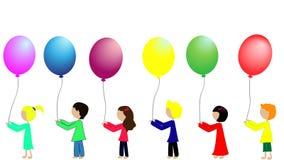 Σχολικά παιδιά με τα ζωηρόχρωμα μπαλόνια ελεύθερη απεικόνιση δικαιώματος