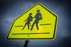 Σχολείο που διασχίζει το σημάδι Στοκ εικόνα με δικαίωμα ελεύθερης χρήσης