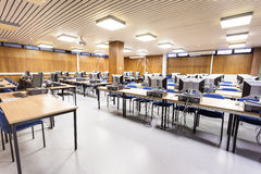 σχολείο σειρών υπολογιστών υπολογιστών τάξεων Στοκ Εικόνες