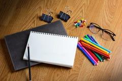 Σχολείο στάσιμο και προμήθειες γραφείων Στοκ φωτογραφία με δικαίωμα ελεύθερης χρήσης
