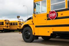 Σχολικά λεωφορεία Στοκ Φωτογραφίες
