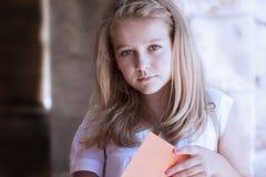 Σχολικό κορίτσι Στοκ φωτογραφία με δικαίωμα ελεύθερης χρήσης