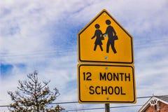 Σχολικό σημάδι δώδεκα μήνα στοκ εικόνες