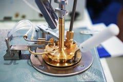 Σωλήνας χάλυβα στην κάλυψη του φαρμακευτικού αντιδραστήρα στοκ φωτογραφία με δικαίωμα ελεύθερης χρήσης