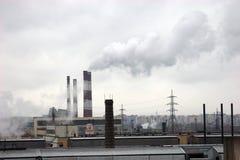 σωλήνες εργοστασίων Στοκ φωτογραφία με δικαίωμα ελεύθερης χρήσης