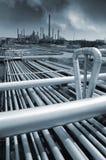 Σωληνώσεις που οδηγούν στις εγκαταστάσεις καθαρισμού πετρελαίου και φυσικού αερίου Στοκ Εικόνες