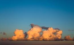 Σωρείτης ήλιων ουρανού ηλιοβασιλέματος σύννεφων στοκ εικόνα