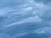 Σωρείτης και cirrus σύννεφων θύελλας στοκ εικόνες με δικαίωμα ελεύθερης χρήσης