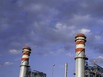 Σωροί καπνοδόχων εργοστασίων Στοκ εικόνες με δικαίωμα ελεύθερης χρήσης