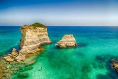 Σωροί στην ακτή Apulia στην Ιταλία Στοκ εικόνες με δικαίωμα ελεύθερης χρήσης
