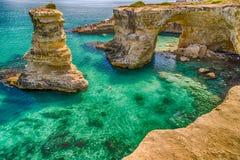 Σωροί στην ακτή Apulia στην Ιταλία Στοκ Εικόνα