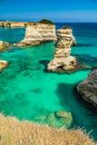 Σωροί στην ακτή Apulia στην Ιταλία Στοκ Εικόνες