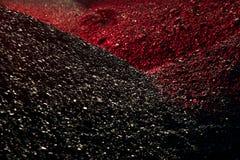 Σωροί του άνθρακα στο κόκκινο φως Στοκ Φωτογραφία
