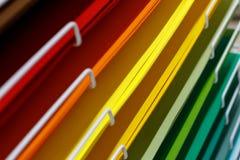 Σωροί του χρωματισμένου χαρτονιού για το σχέδιο στοκ φωτογραφία