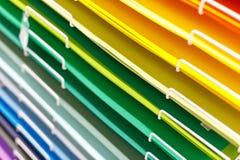 Σωροί του χρωματισμένου χαρτονιού για το σχέδιο στοκ εικόνα