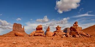 Σωροί των βράχων ή των τύμβων προσευχής που παρατάσσονται Στοκ Φωτογραφία