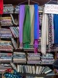 Σωροί των μαντίλι κασμιριού στο Κατμαντού, Νεπάλ Στοκ εικόνα με δικαίωμα ελεύθερης χρήσης