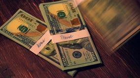 Σωροί των λογαριασμών δολαρίων που πέφτουν κάτω Εγχώρια χρηματοδότηση απόθεμα βίντεο