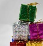 Σωρός κιβωτίων δώρων επάνω Στοκ εικόνες με δικαίωμα ελεύθερης χρήσης