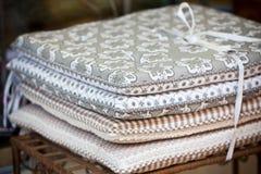 Σωρός μαξιλαριών καρεκλών λινού Στοκ Εικόνα