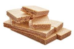 Σωρός ορθογώνιου των διαμορφωμένων μπισκότων και γκοφρετών που σπάζουν διχοτομημένος σε δύο κομμάτια στοκ εικόνες