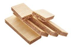 Σωρός ορθογώνιου των διαμορφωμένων μπισκότων και γκοφρετών που σπάζουν διχοτομημένος σε δύο κομμάτια στοκ εικόνα