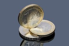 Σωρός της ευρο- κινηματογράφησης σε πρώτο πλάνο νομισμάτων Στοκ Φωτογραφία