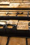 Σωρός της ξυλείας στην αποθήκευση κούτσουρων ξυλείας για την κατασκευή ή το indus Στοκ εικόνες με δικαίωμα ελεύθερης χρήσης