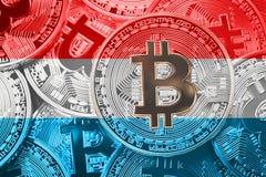Σωρός της σημαίας Bitcoin Λουξεμβούργο Conce cryptocurrencies Bitcoin στοκ εικόνες