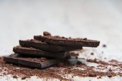 Σωρός της σκοτεινής σοκολάτας Στοκ εικόνες με δικαίωμα ελεύθερης χρήσης