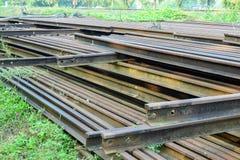 Σωρός του σκουριασμένου σιδηροδρόμου στοκ εικόνα