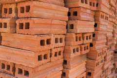 Σωρός του φραγμού τούβλου που χρησιμοποιείται για βιομηχανικό Στοκ Φωτογραφία