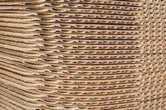 Σωρός του χαρτονιού σε έναν μεγάλο σωρό, στρογγυλωπή λεπτομέρεια Στοκ φωτογραφία με δικαίωμα ελεύθερης χρήσης