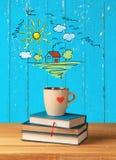 Σωρός των βιβλίων με το φλυτζάνι καφέ στην κορυφή στο υπόβαθρο Στοκ Φωτογραφίες